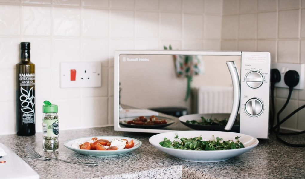 Microwaving Food In Plastic Containers